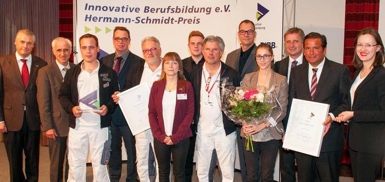 Gruppenfoto der Gewinner des Hermann-Schmidt-Preises